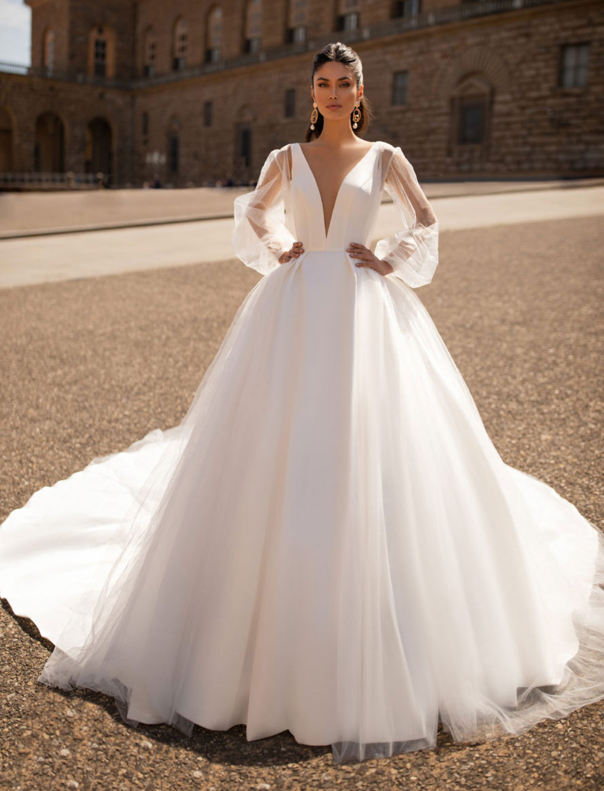 Wedding Dresses In Tuscany Italy Le Spose Di Mori,How To Choose A Wedding Dress Style